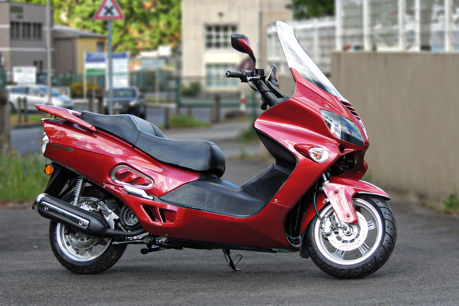 SCOOTER-125-ECCHO-GT-STAR-BORDEAUX-02