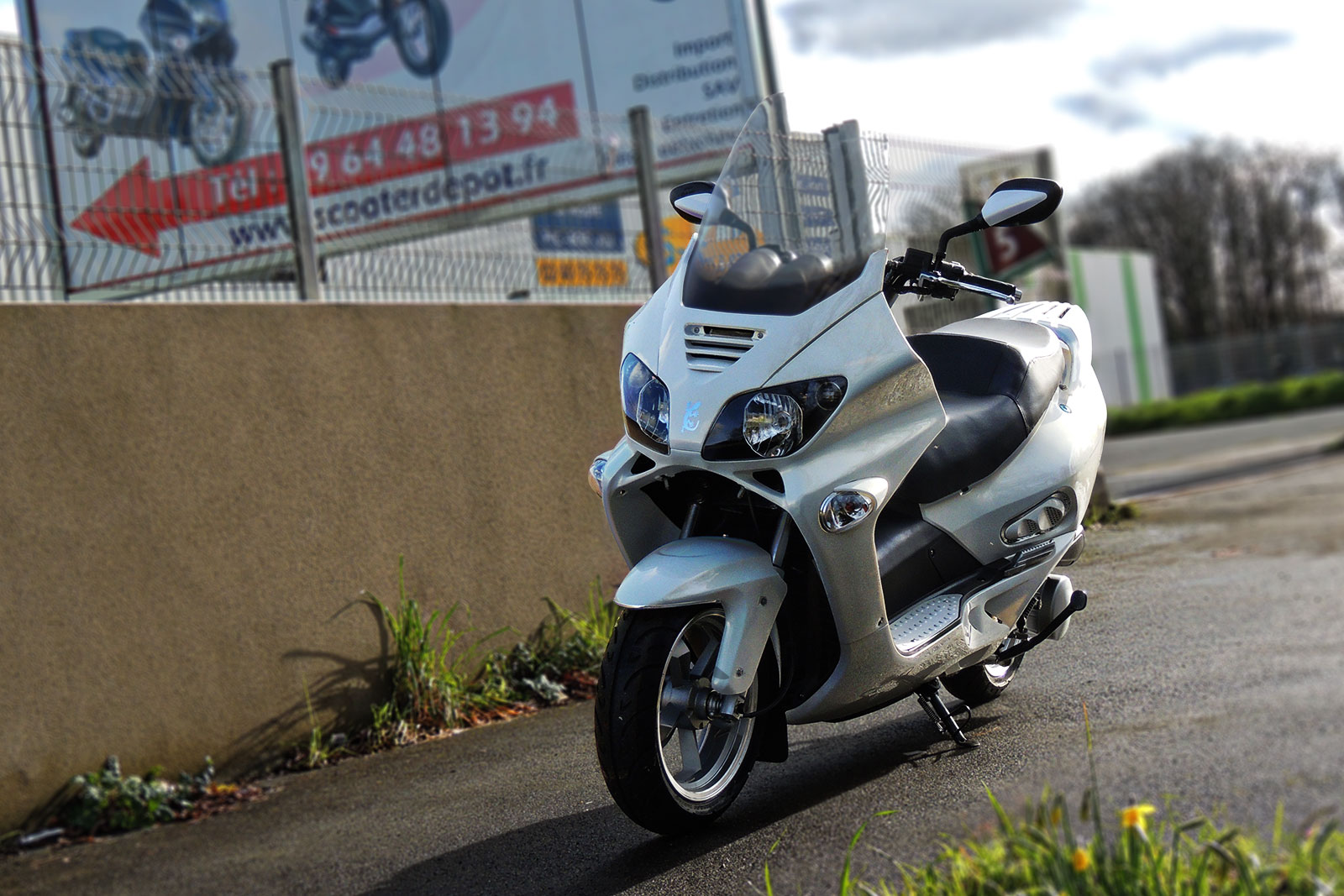 SCOOTER-125-ECCHO-GT-STAR-WHITE-SERIES-01