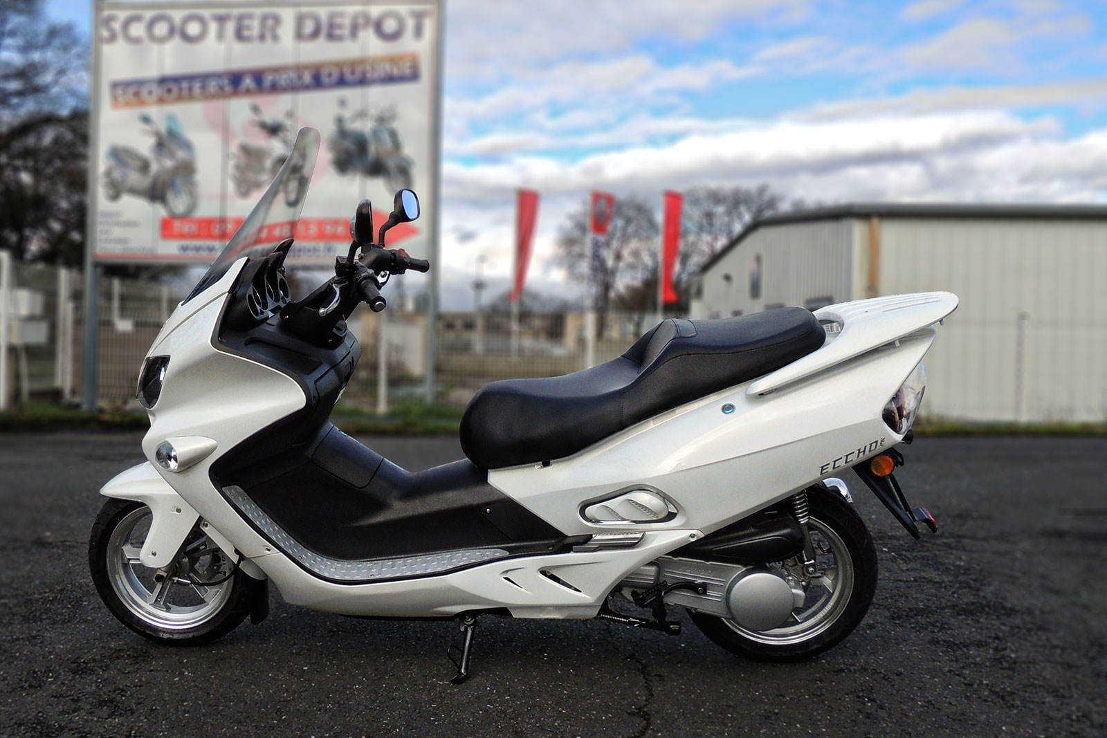 SCOOTER-125-ECCHO-GT-STAR-WHITE-SERIES-03