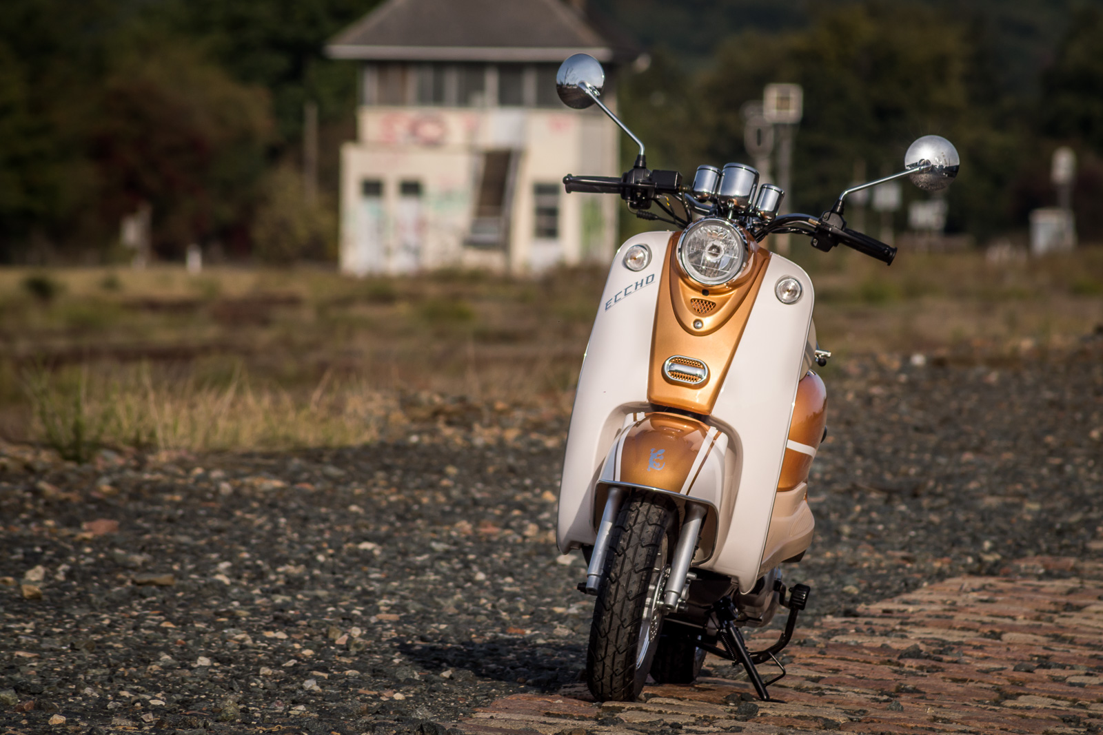 SCOOTER-50-ECCHO-RETRO-GOLDER-01
