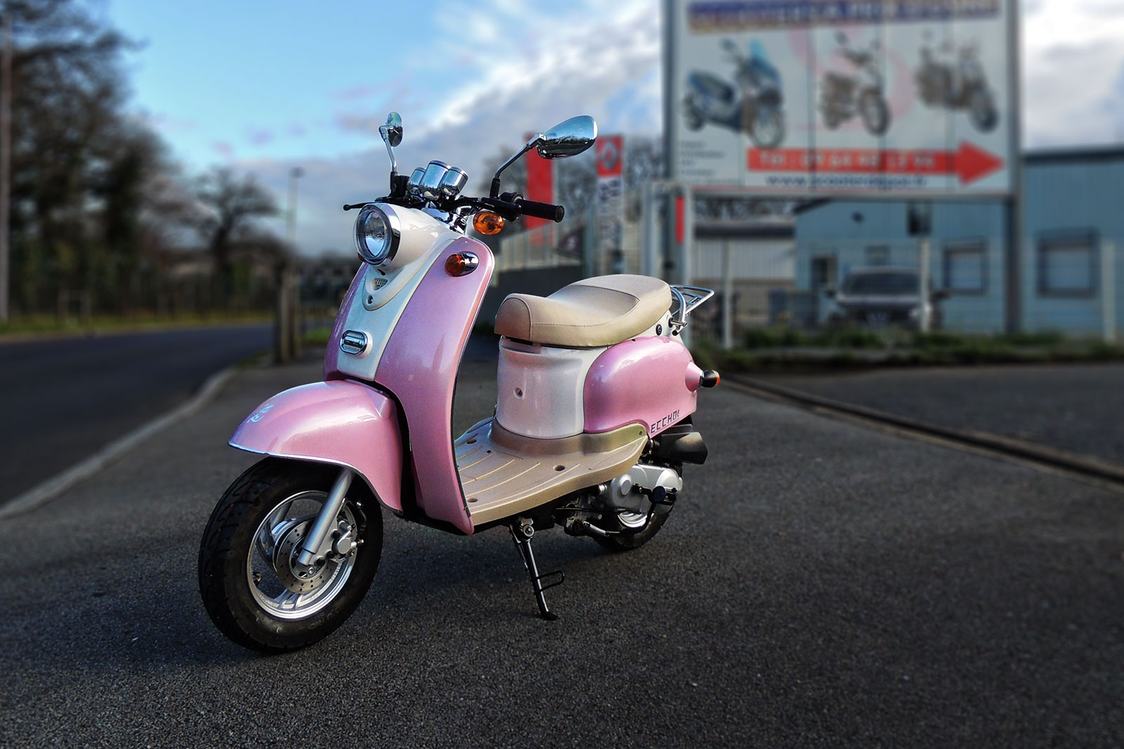 SCOOTER-50-ECCHO-PINK-02